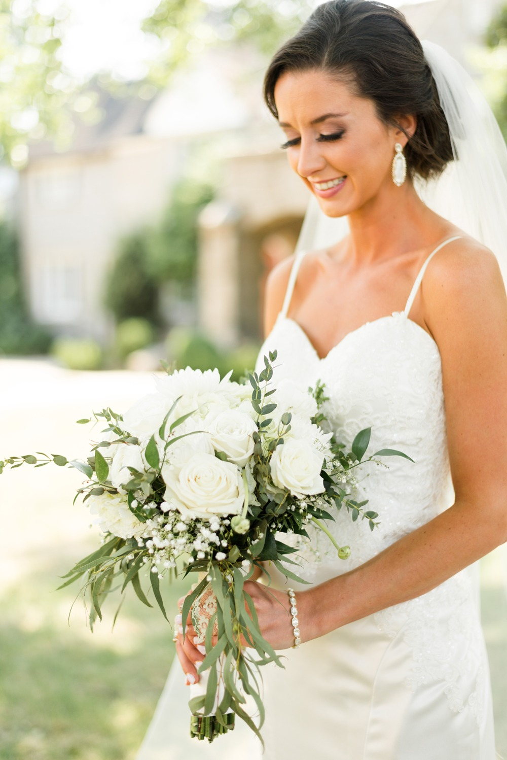 Gallery The Perfect Gold And White Hometown Wedding For 35k