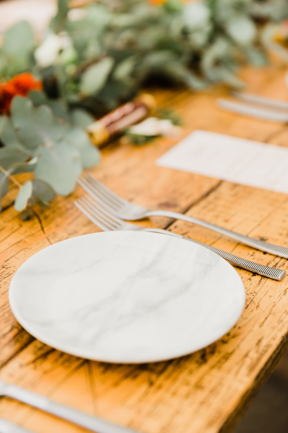 marbled wedding place setting