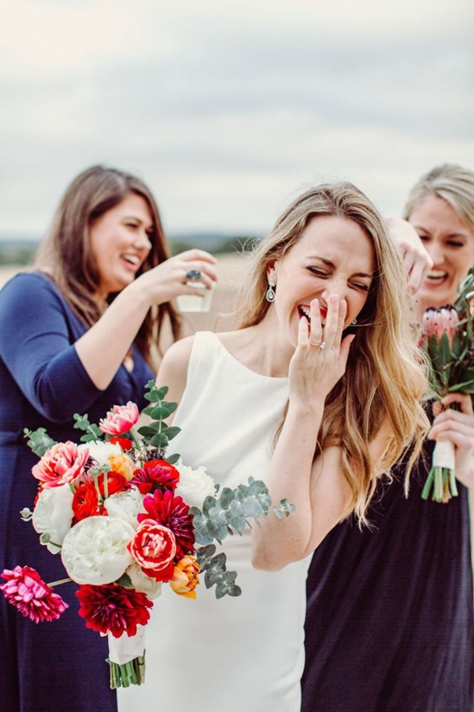 DIY your wedding bouquet with FiftyFlowers