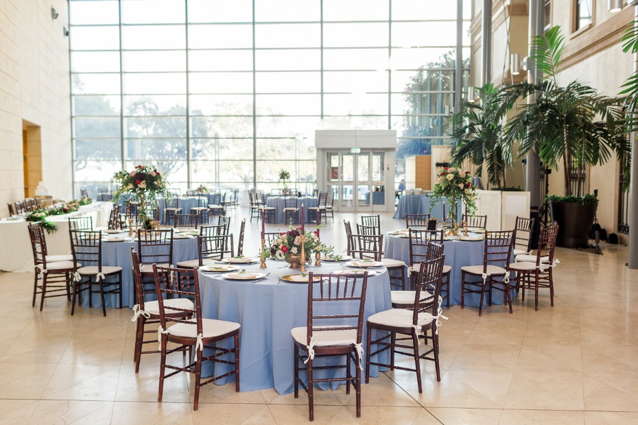 wedding reception in the fall of the Art Museum