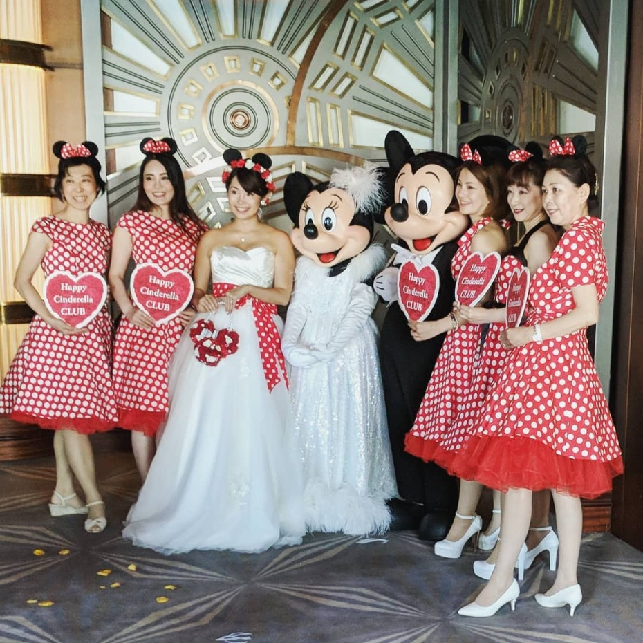 Minnie Mouse bridesmaid dresses